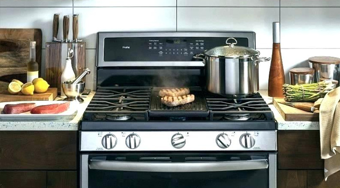 A Complete Review of the GE Monogram Gas Range