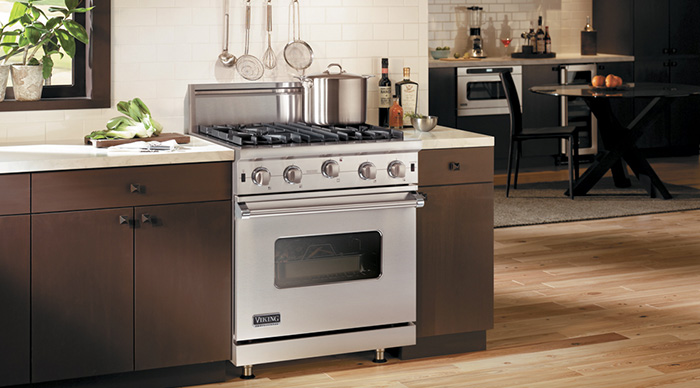 Viking 30 Dual Fuel Range uses electric in the oven,
